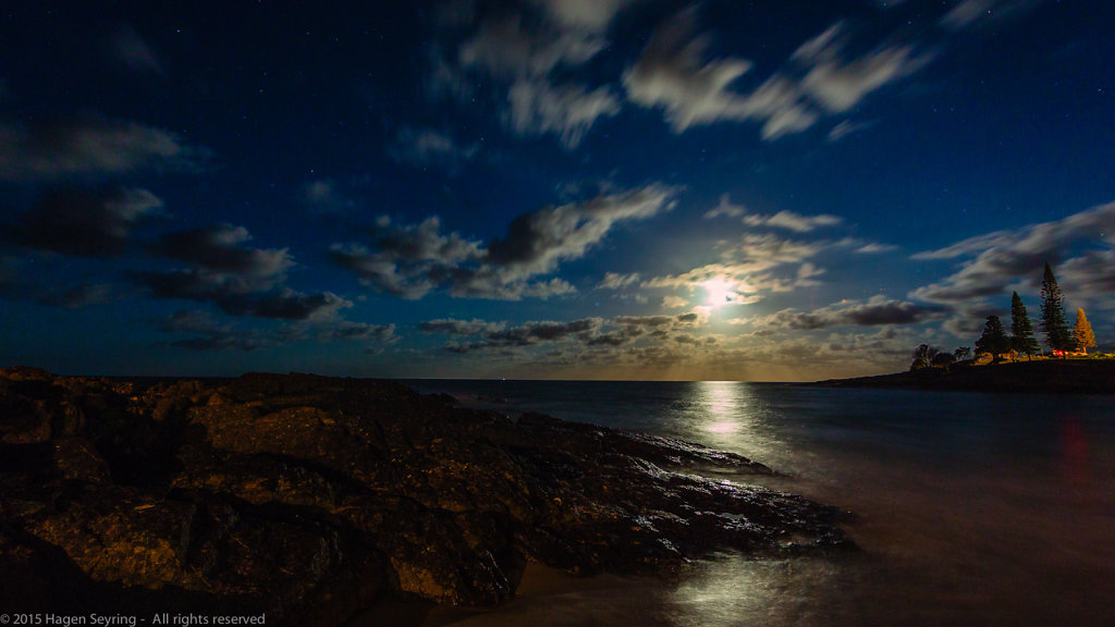 Moonrise on South West Rocks